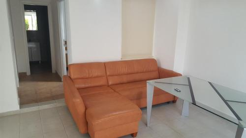 A seating area at Apartments Gajac 39