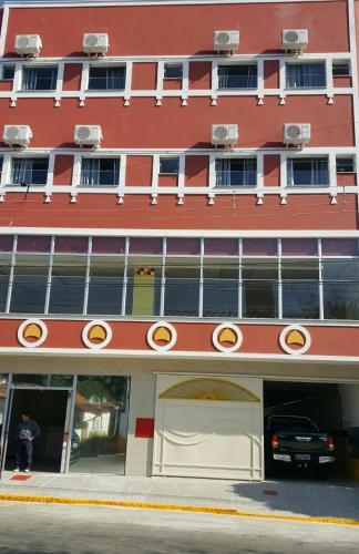 A fachada ou entrada em Hotel Pousada do Papa