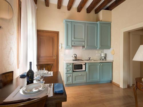 A cozinha ou cozinha compacta de Rialto