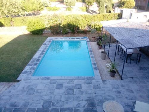 The swimming pool at or near Marseille et sa Campagne Chic
