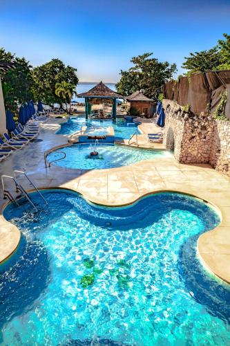 The swimming pool at or near Hedonism II All Inclusive Resort