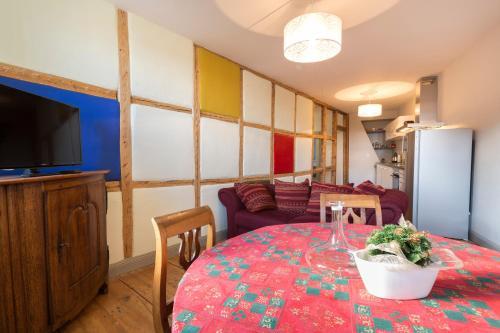 Lounge oder Bar in der Unterkunft les appartements saint nicolas