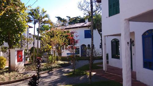 Un patio o zona al aire libre en Apartamento em Praias Brancas Apart