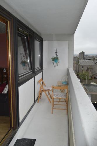 A porch or other outdoor area at Gilcomstoun Land Apartment