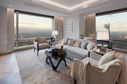 A seating area at Shangri-La Residences at the Fort Manila