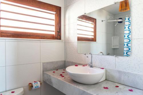 A bathroom at Cumbuco Kite in Paradise e Hospedaria