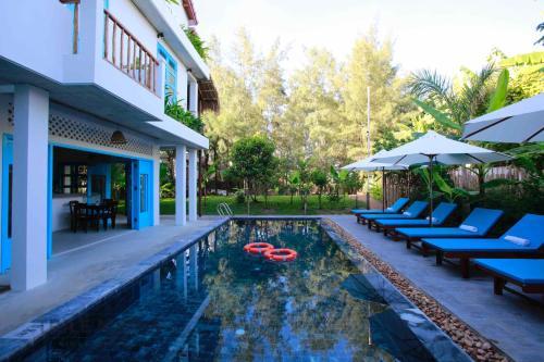 Life Beach Villa