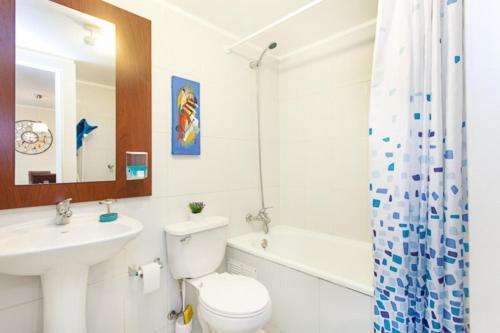 Un baño de Santiago Downtown Cozy Apartments 3