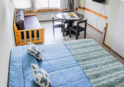 Una cama o camas en una habitación de Center 316