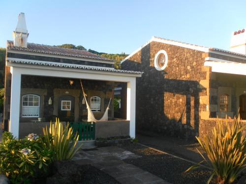 The facade or entrance of Casa Ilhéu - Fajã do Fisher