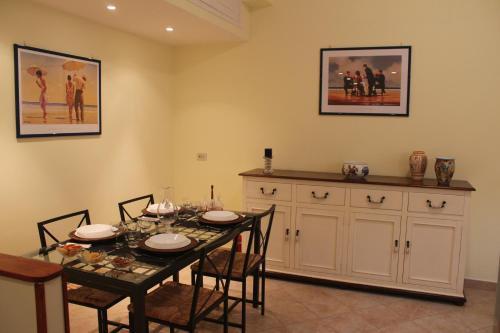Ресторант или друго място за хранене в TOM'S HOUSE