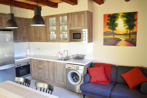 Una cocina o zona de cocina en La Llacuna