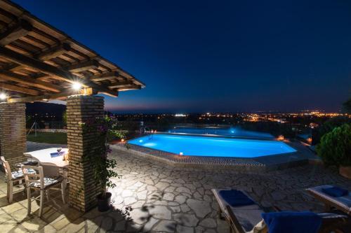 Αίθριο ή υπαίθριος χώρος στο Alea Resort Villas