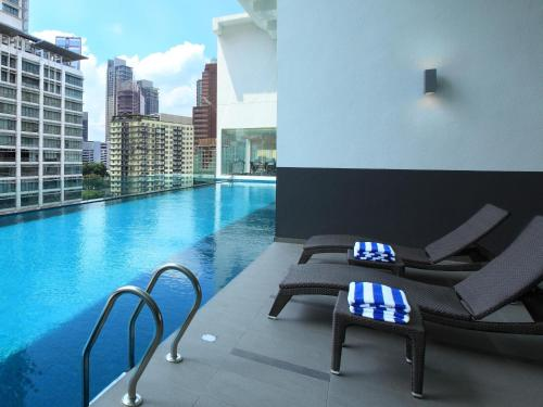 The swimming pool at or near Luxury Suites Bukit Bintang