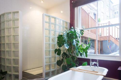 A bathroom at ArtHouse Boutique Apartment