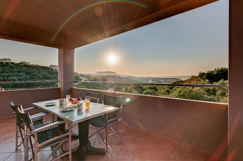 A balcony or terrace at Villas Almyrida