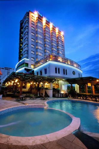 The Light Hotel & Spa