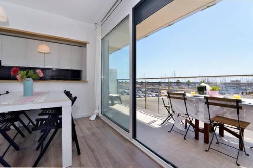 Gran Apartamento playa Barcelona (España Badalona) - Booking.com