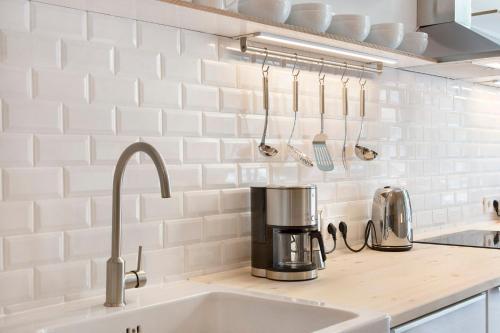 Ein Badezimmer in der Unterkunft Modern Design Apartment