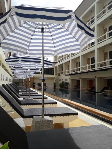 The swimming pool at or close to Phangan Pearl Villa