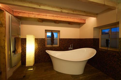 Ein Badezimmer in der Unterkunft Morzgerhof