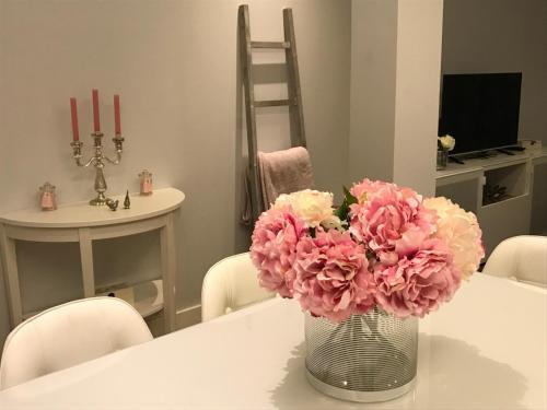 טלויזיה ו/או מרכז בידור ב-Stay At Home Madrid Apartments IV