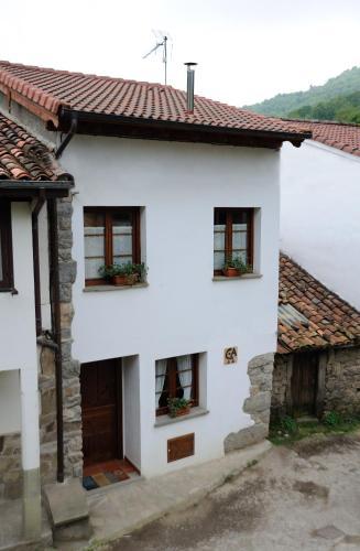 Casa de campo Casa Guela (España Pajares) - Booking.com
