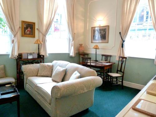 Zona de estar de Crystal Palace Apartment