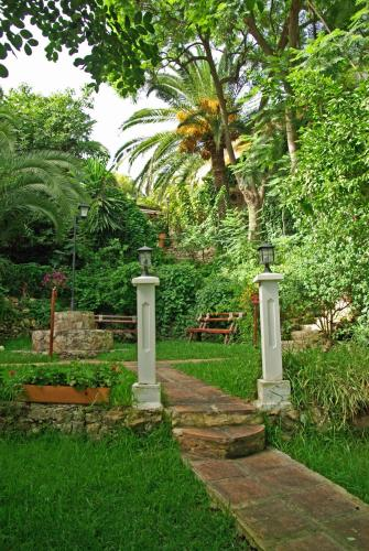 A garden outside Boutique Hotel Las Islas - Adults Only