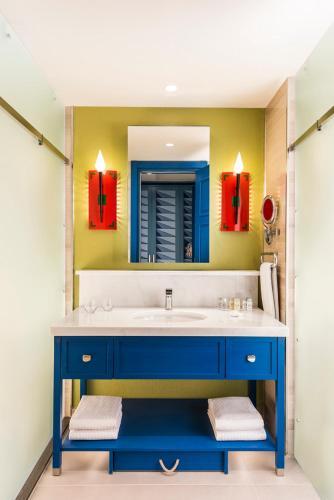 Ванная комната в The Land Of Legends Kingdom Hotel