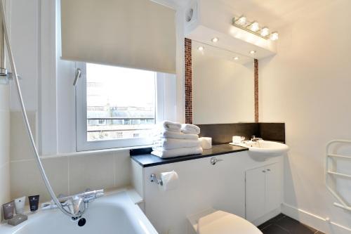 Kupatilo u objektu Camden Serviced Apartments