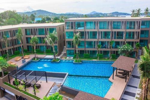 A view of the pool at Pixels Condo at Panwa Beach or nearby
