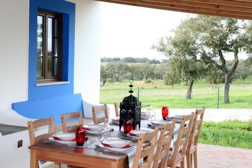 Monte Azul - Casas de Campo do Junqueirinho (Portugal Bicos ...