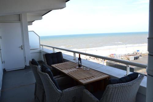 Balcon ou terrasse dans l'établissement Beach Apartment Ikusasa