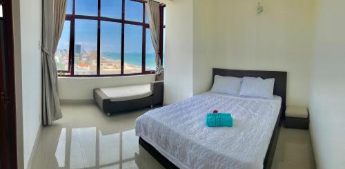 Three Bedroom Sea View Apartment