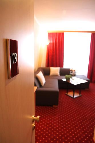 A seating area at Hotel Rosenstadt Forst