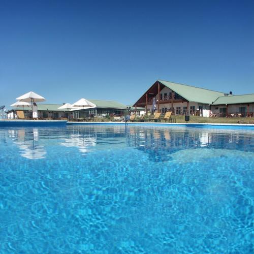 The swimming pool at or near Los Naranjos Resort & Spa Termal