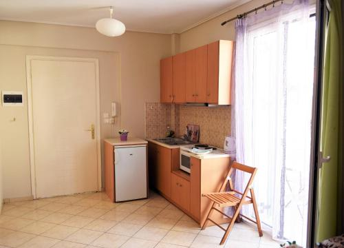 A kitchen or kitchenette at Aella Studios