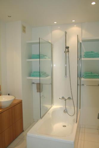 Een badkamer bij O' Casino
