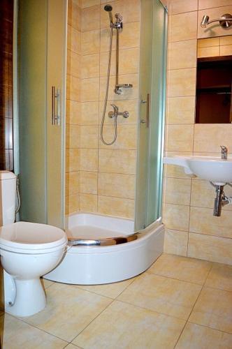 Łazienka w obiekcie Hotel Stal