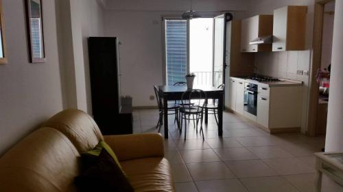 A kitchen or kitchenette at Casa Tina