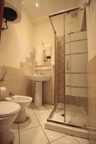 A bathroom at Vesta-Apartments