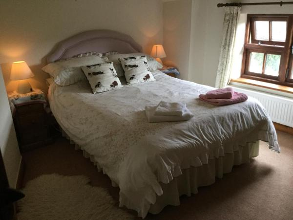 High Orchard B&B in Maundown, Somerset, England