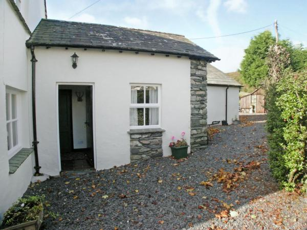 Low Ickenthwaite Farm Cottage in Rusland, Cumbria, England