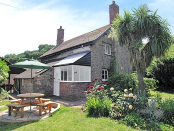Briddicott Farm Cottage in Withycombe, Somerset, England