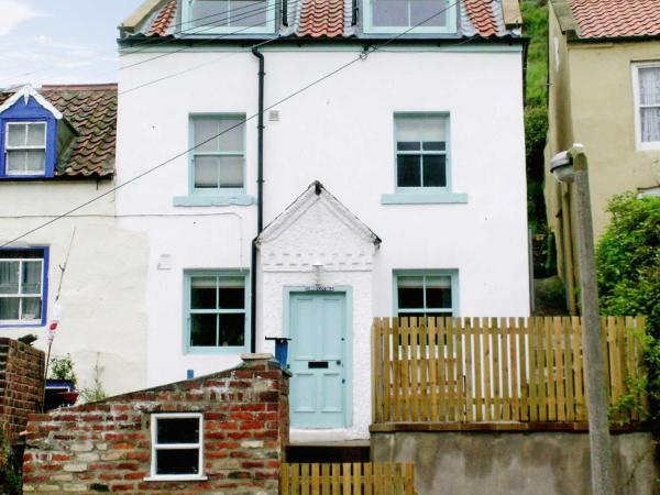 Sunny Cottage in Staithes, North Yorkshire, England