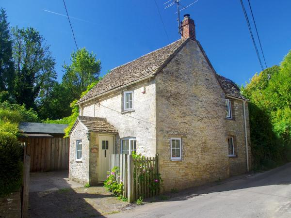 Ivy Cottage in Chedworth, Gloucestershire, England