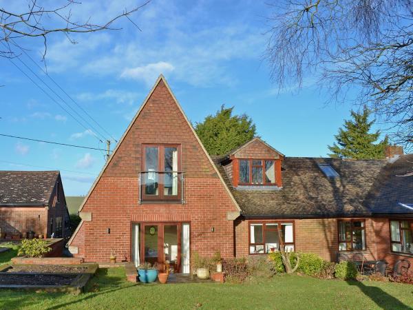 Greenviews West in Avebury, Wiltshire, England