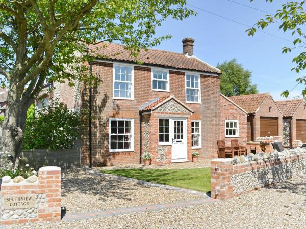 South View Cottage in West Beckham, Norfolk, England