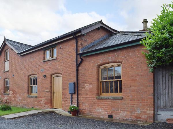 Broad Iron Cottage in Upton Snodsbury, Worcestershire, England